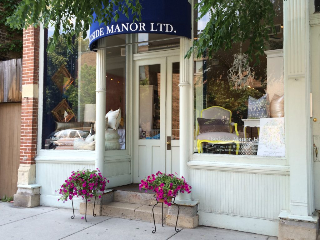 BEDSIDE MANOR STORE FRONT IN CHICAGO