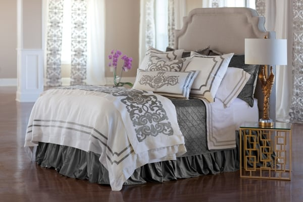 SOHO BEDDING WHITE LINEN SILVER VELVET MOOD SHOT